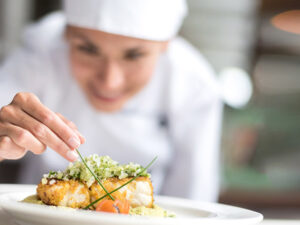 Interact With And Serve Food & Beverage Guests
